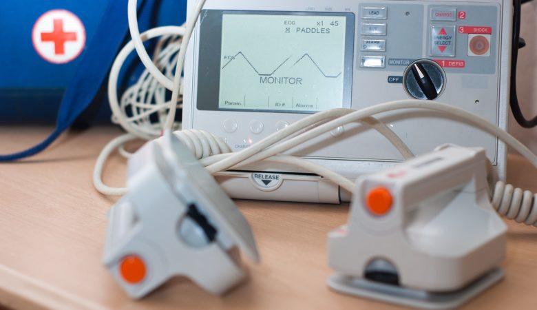 Como funciona um aparelho cardioversor e como comprar o melhor